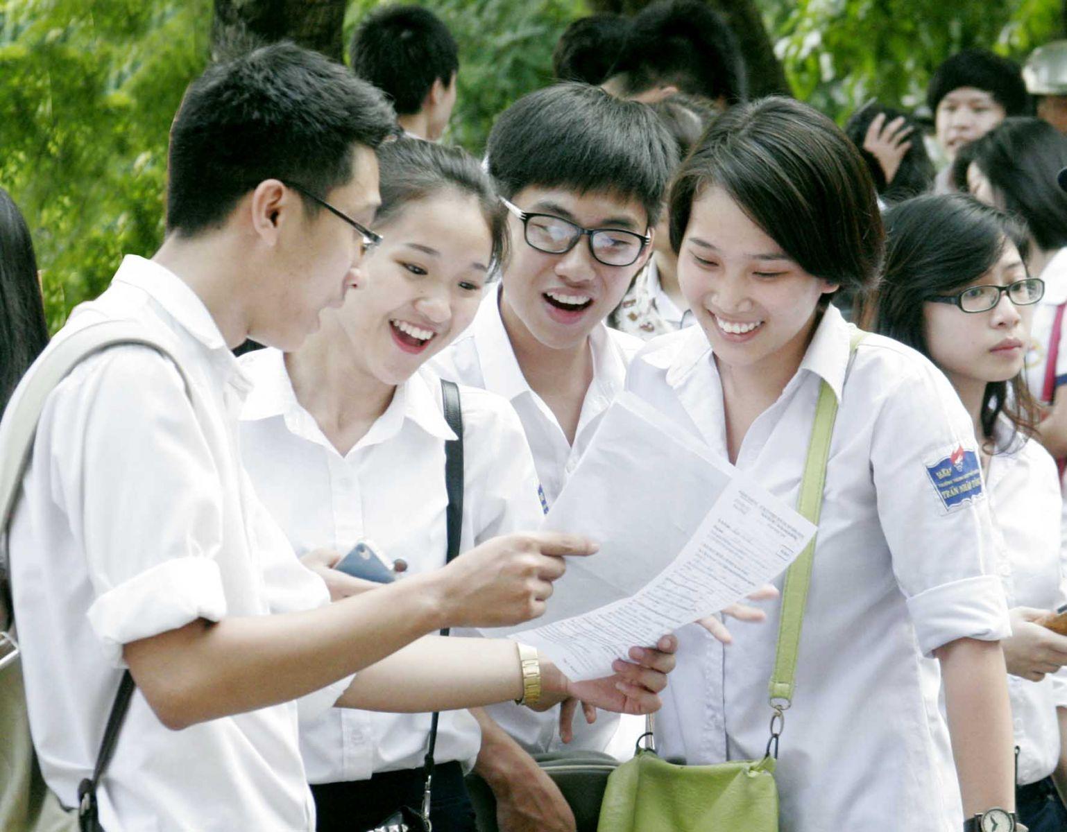 Kỳ thi THPT quốc gia đạt điểm cao quá nhiều, các trường lo khó tuyển sinh.