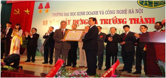 dai hoc kinh doanh cong nghe - kenhtuyensinh24h.vn