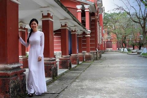 Nữ sinh Huế - kenhtuyensinh24h.vn