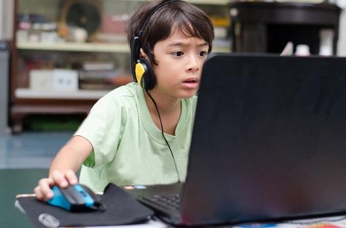 Học tiếng Anh khi chơi game có thể có khả năng vượt trội hơn