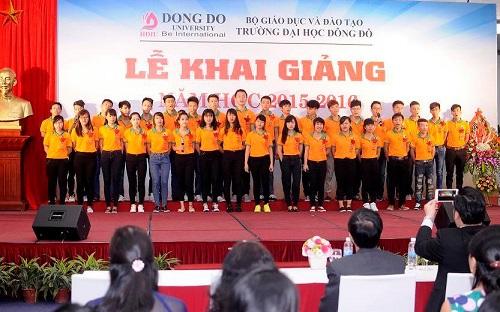 Lễ khai giảng trường Đại học Đông Đô Hà Nội năm học 2015-2016