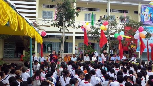 Khôi phục chức vụ cho cô giáo chống tiêu cực Nguyễn Hoài Thu