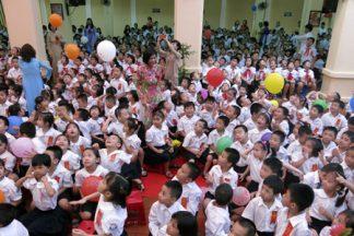 Học phí trường công lập ở Hà Nội tăng gần 40%